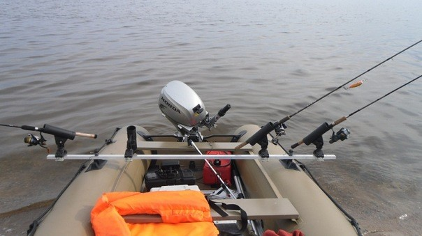 спиннинг на резиновой лодке